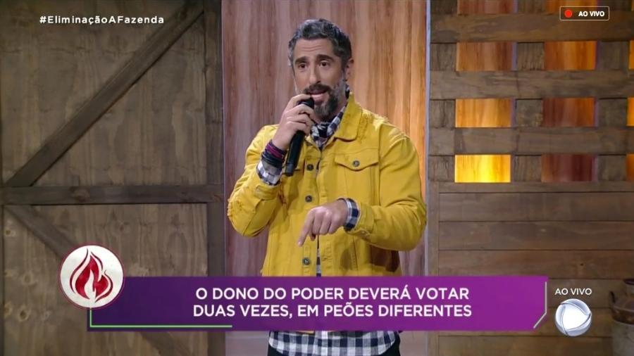 Marcos Mion anuncia, de maneira errada, o poder da chama vermelha  - Reprodução/RecordTV