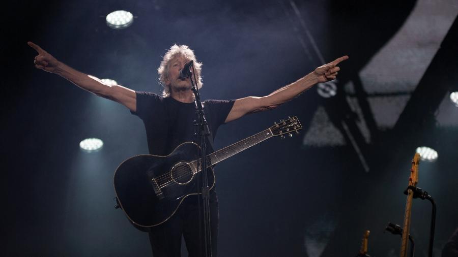 """Com menos teor político, Waters encerrou a turnê brasileira com um show mais curto, sem """"Mother"""", por causa da chuva - Leo Caobelli/UOL"""