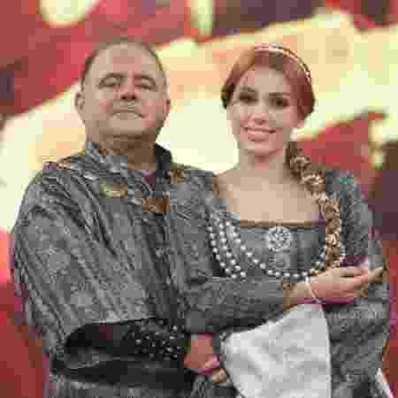 """Leo Jaime e Larissa Parison dançam valsa na final da """"Dança dos Famosos"""" 2018 - Reprodução/TV Globo - Reprodução/TV Globo"""