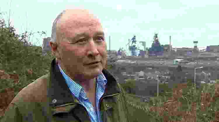 Ian Lewis reclama de obra feita por Baksy no muro de sua casa - BBC - BBC