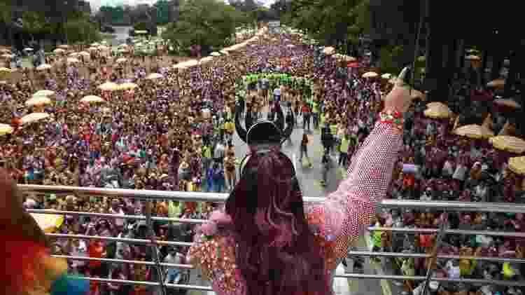 Bloco de Carnaval de São Paulo no ano passado: um paciente com coronavírus precisa de uma distância entre um e três metros para contaminar outra pessoa - Diego Padgurschi - 10.mar.2019/UOL - Diego Padgurschi - 10.mar.2019/UOL