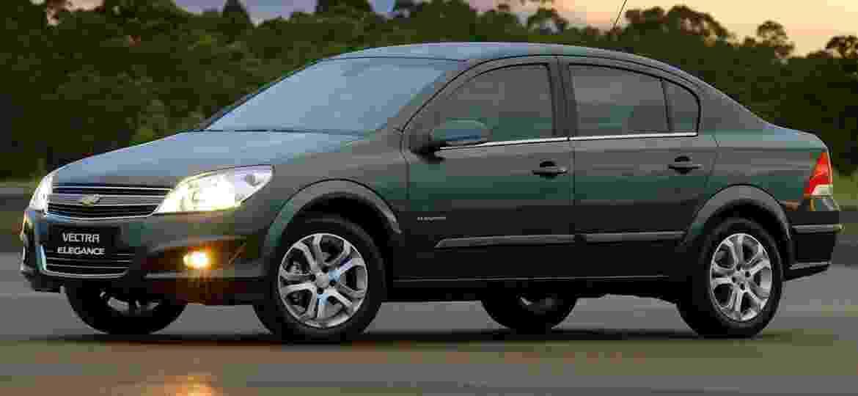 Corolla e Civic já lideravam vendas em 2010, mas Vectra era principal desafiante - Divulgação