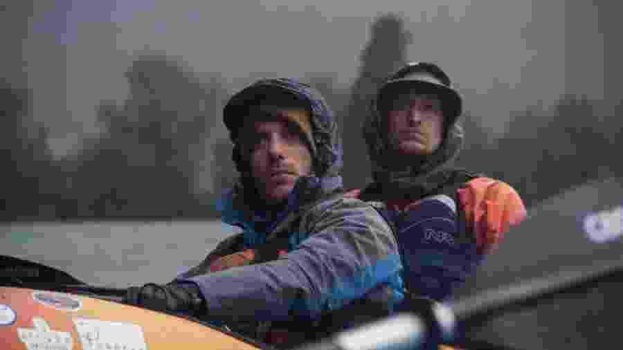 Jens Benöhr (esq.) e Tobias Hellwig no rio Calle Calle - Arquivo pessoal