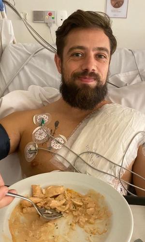 Rafael Cardoso passa por cirurgia para implantar desfibrilador cardíaco