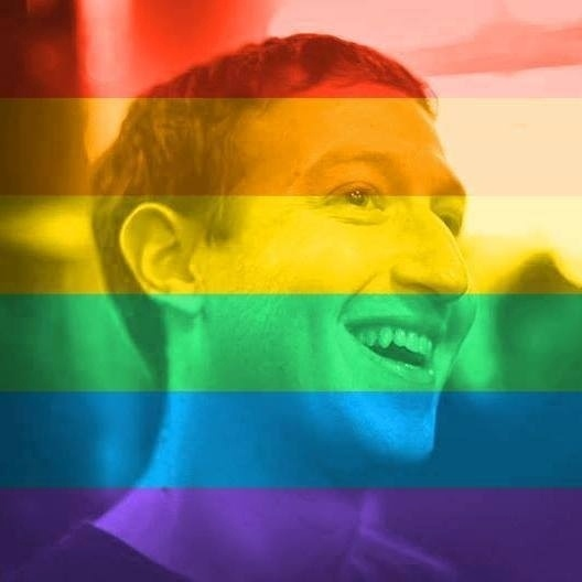 26.jun.2015 - Mark Zuckerberg, CEO do Facebook, aderiu à moda lançada em sua rede social