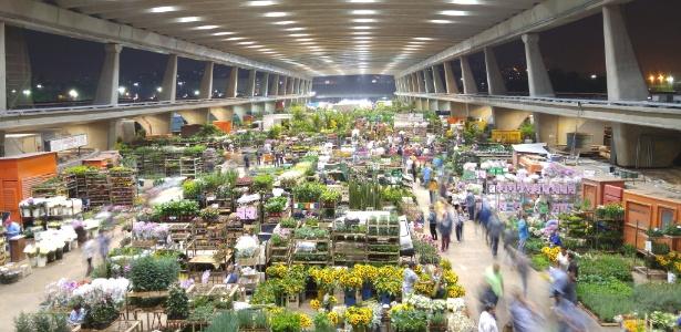 No Ceagesp, são comercializados produtos oriundos de 1.500 municípios, de 22 Estados e 19 países