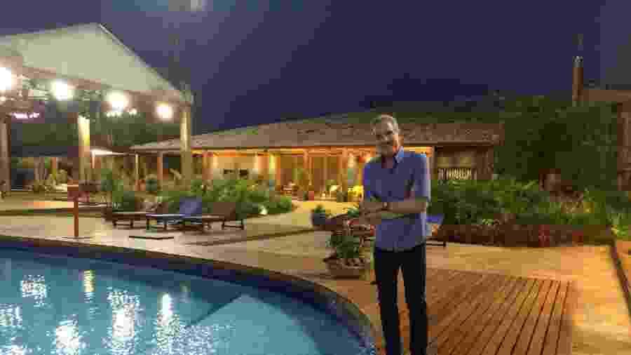 Roberto Justus na fazenda que recebeu o reality show da Record - Felipe Pinheiro /UOL