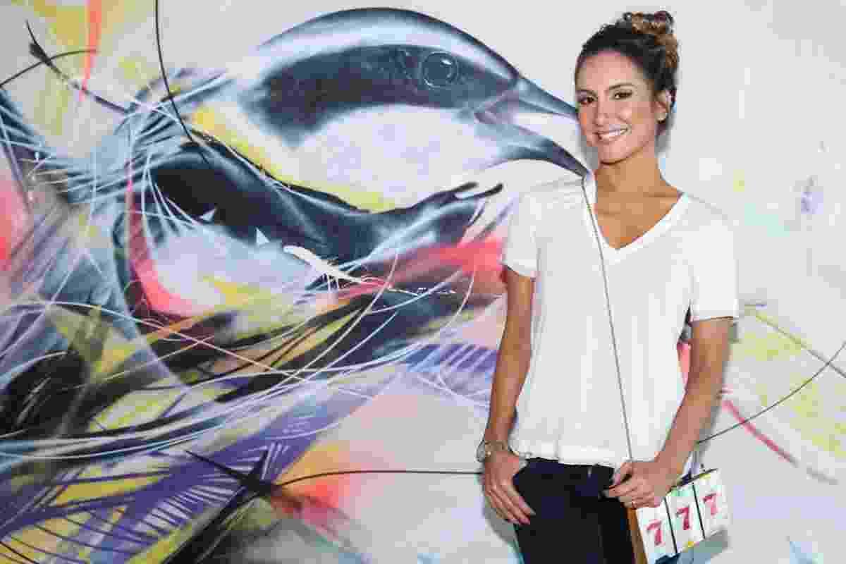 """11.dez.2015 - Cláudia Leitte promoveu um café da manhã com convidados para divulgar sua nova música """"Corazón""""  - Manuela Scarpa/Brazil News"""