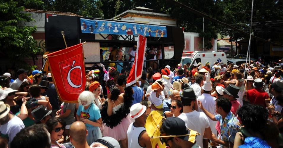 Foliões aproveitam a manhã de domingo (31) para pular Carnaval no bloco do Ó do Borogodó