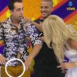 Val Marchiori brinca com Thiago Rocha ao vivo na RedeTV! - Reprodução