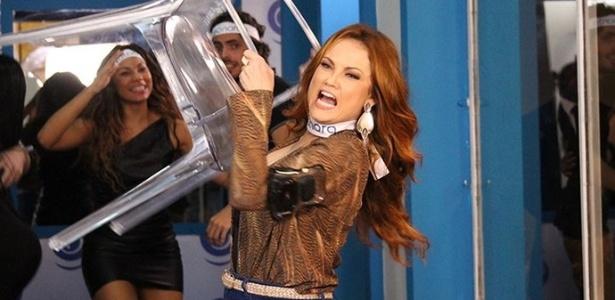 """Em """"Haja Coração"""", Ellen Rocche interpreta a ex-BBB Leonora - Divulgação/TV Globo"""