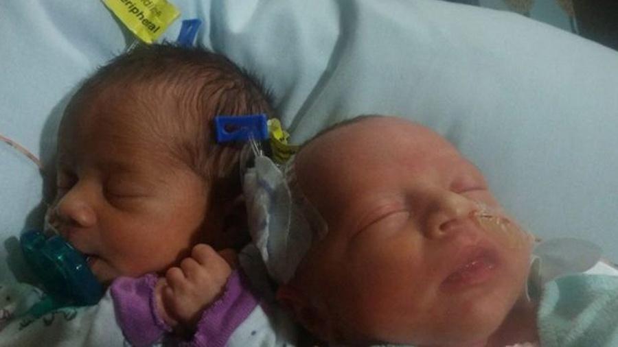 As irmãs gêmeas Darla (esquerda) e Dalanie nasceram em 17 de junho - Danesha Couch/Reprodução