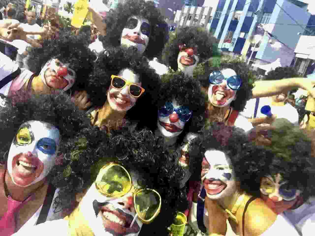 Ivete se disfarça e curte trios elétricos na pipoca em Salvador - Brazil News