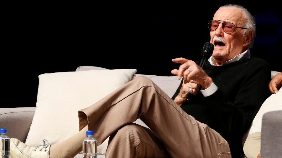 O quadrinista Stan Lee conversa com fãs durante uma convenção Querétaro, no México - Stringer/Reuters