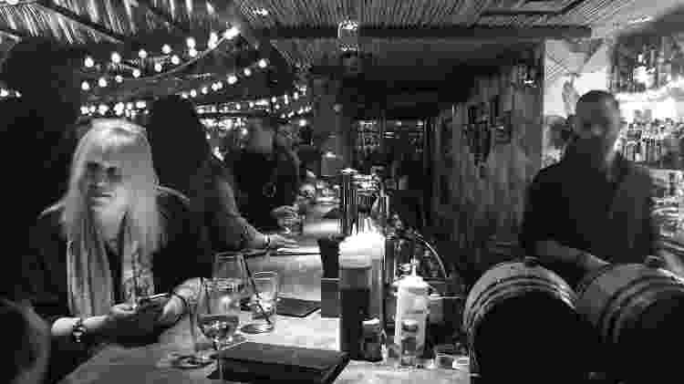 Bebida e comida boa no cardápio, com preços mais salgados do que os bolinhos - Vladimir Maluf/UOL