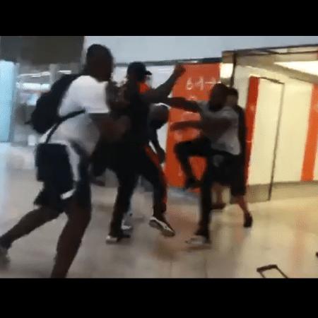 Rappers franceses Booba e Kaaris brigam em aeroporto de Paris - Reprodução/Instagram