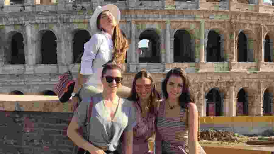 Sem o marido Faustão, Luciana Cardoso curte férias no Egito com Daiane de Paula, Jaque Ciocci e Renata Longaray - Reprodução/Instagram