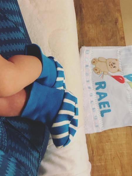 Isis Valverde posta imagem do pezinho do filho Rael - Reprodução/Instagram