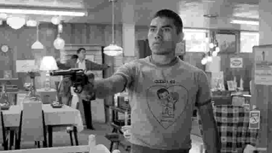 """O ator mexicano Jorge Antonio Guerrero em cena de """"Roma"""" - Reprodução"""