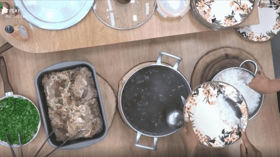 Diego prepara feijoada para peões - Reprodução/PlayPlus