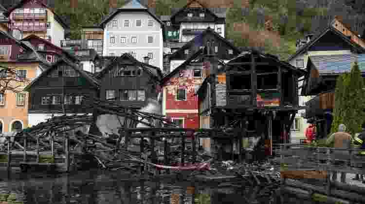 Casas incendiadas em Hallstatt, na Áustria - AFP