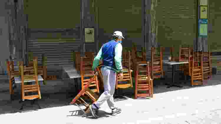 Restaurante fechado na Grécia durante a crise do coronavírus - Getty Images - Getty Images