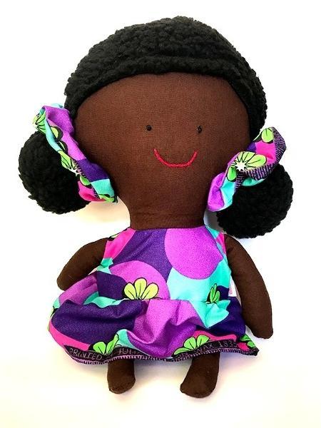 Boneca da Amora Brinquedos Afirmativos - Divulgação