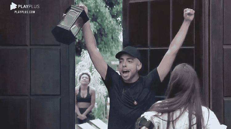 Lucas Selfie - Reprodução/Playplus - Reprodução/Playplus