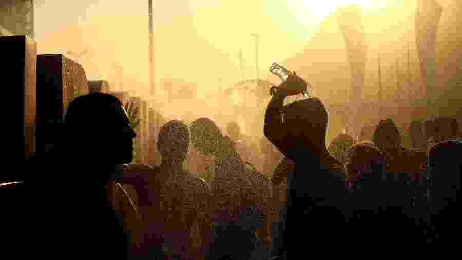 Fãs do Rock in Rio enfrentam dia de calor de mais de 40° C na capital carioca - Wilton Junior/Estadão Conteúdo