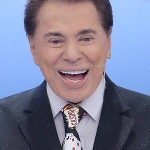 Silvio Santos com microfone novo