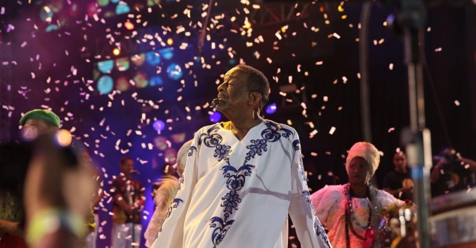 05.fev.2016 - Naná Vasconcelos na festa de abertura do Carnaval do Recife em show no Marco Zero