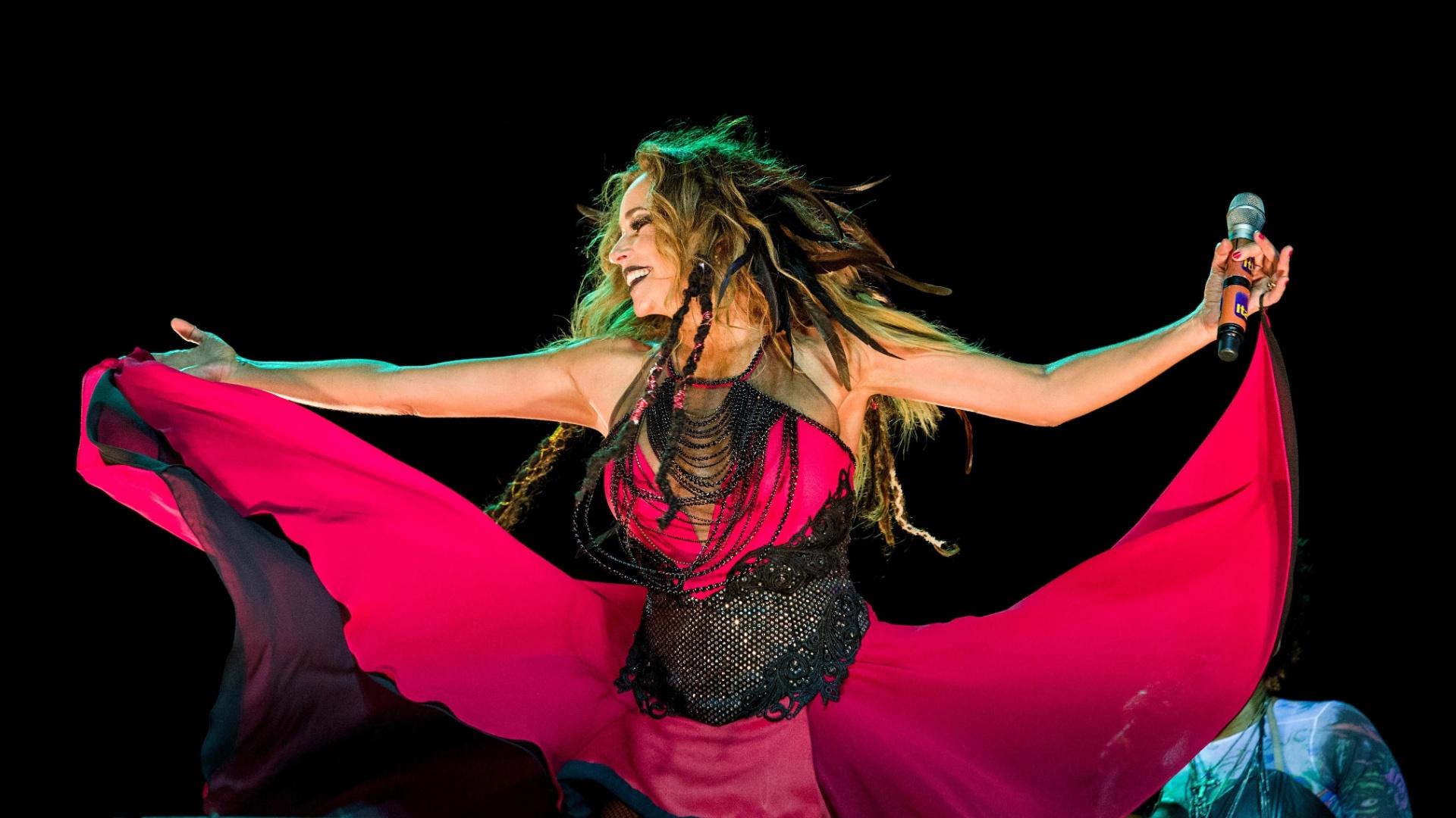 Musa do Carnaval baiano, Daniela Mercury apresenta o Baile da Rainha Má