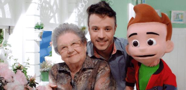 Palmirinha Onofre, o ator Anderson Clayton e o boneco Guinho, em 2014 - Divulgação