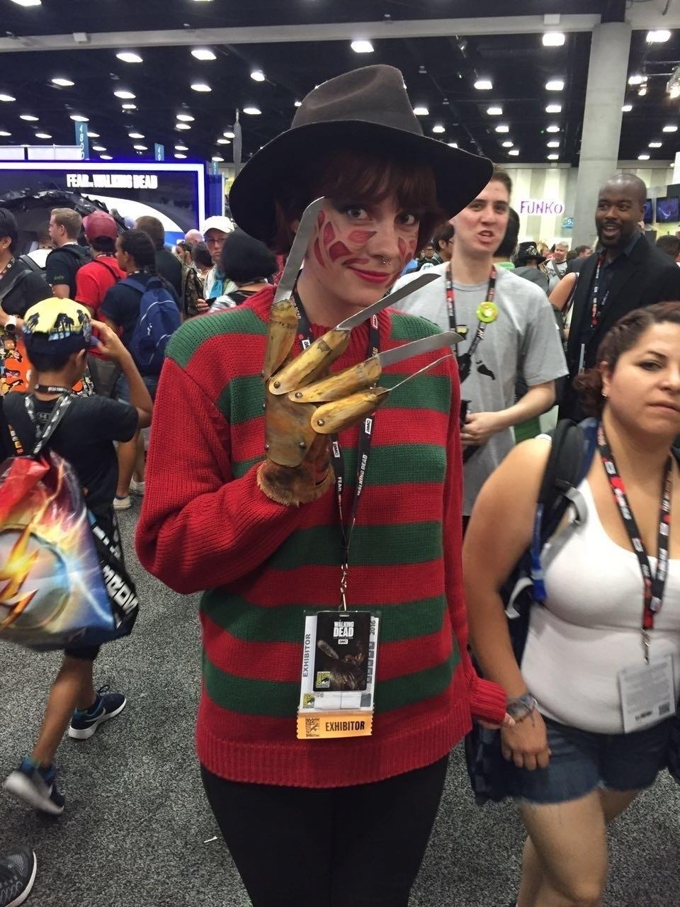 21.jul.2016 - Cosplayer encarna versão charmosa do vilão Freddy Krueger na San Diego Comic-Con