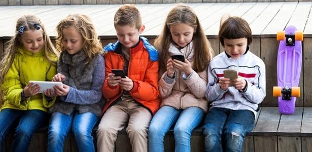 Mais de 50% das crianças estão expostas aos chamados riscos do mundo digital