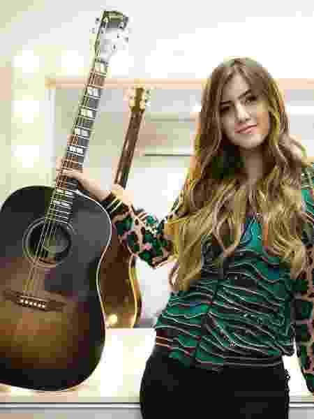 A cantora Sofia Oliveira, que tem um canal no YouTube e está prestes a lançar seu primeiro disco - Lucas Lima/UOL - Lucas Lima/UOL