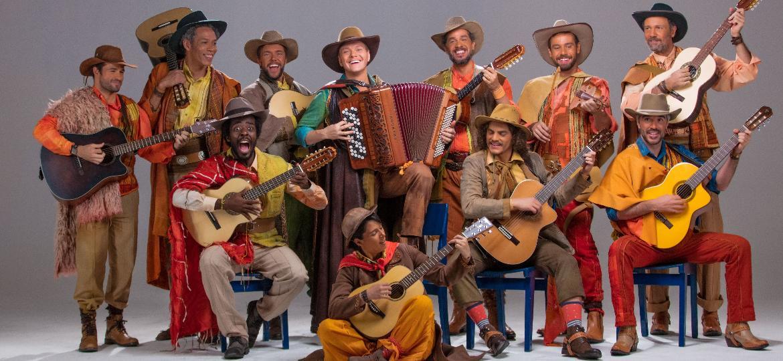 """Elenco do espetáculo """"Bem Sertanejo, O Musical"""", que vai contar a história do gênero do campo à cidade     - Divulgação"""