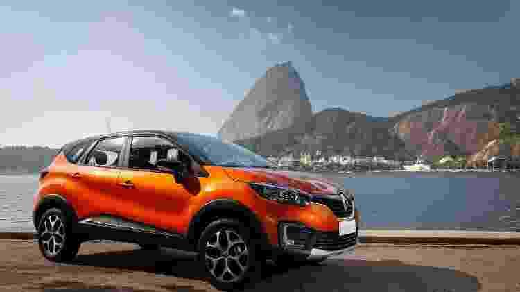 Teto na cor preta é recurso que ajuda na aceitação de tons mais vibrantes para a pintura da carroceria - Renault/Divulgação