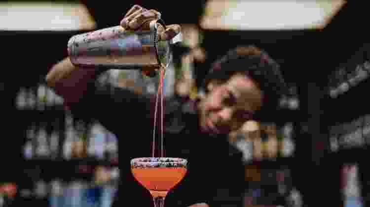 De dar aula a ser atendente em bares, algumas pessoas passam a vida inteiro correndo atrás do emprego dos sonhos - iStock - iStock