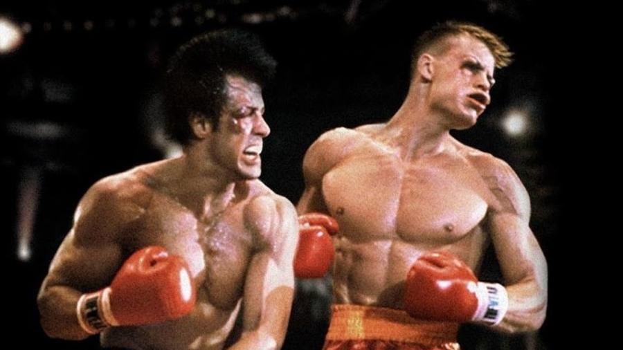 "Rocky Balboa (Sylvester Stallone) enfrenta Ivan Drago (Dolph Lundgren) em ""Rocky 4"" - Reprodução"
