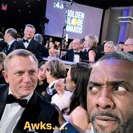 Daniel Craig brinca com Idris Elba no Globo de Ouro 2019 - Reprodução/Twitter