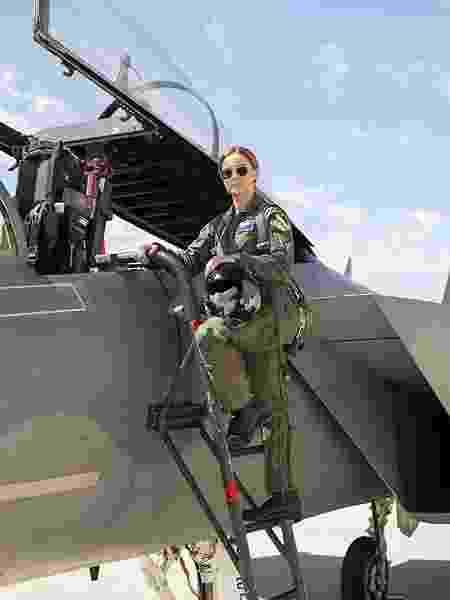 """Brie Larson como Carol Danvers em cena de """"Capitã Marvel"""" - Divulgação"""