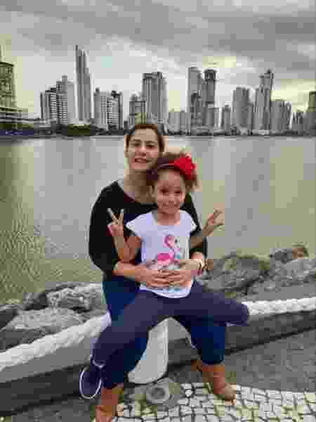 Raquel perdeu a audição por causa da otosclerose, doença genética que pode ter seu processo acelerado devido a alterações hormonais na gestação - Arquivo pessoal