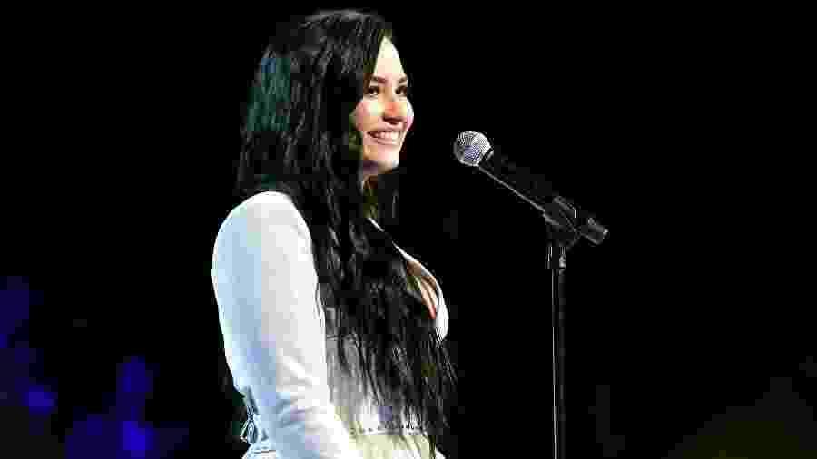 Demi Lovato sorri após se apresentar no Grammy 2020 - Jeff Kravitz/FilmMagic