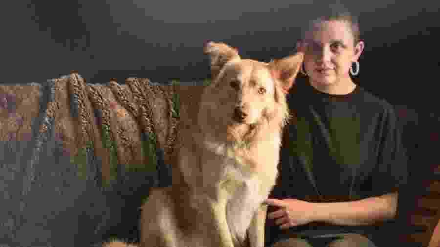 Marley é o cachorro de assistência de Hayley, que pode ter episódios de ataques de pânico - Arquivo Pessoal