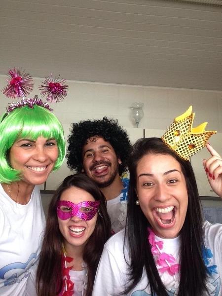 Integrantes do projeto Asas Voluntárias, que criou iniciativa para fazer chamadas de vídeo a idosos em abrigos - Divulgação