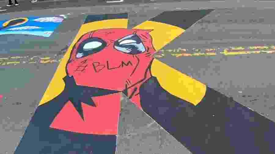 Artista Garrison Gist coloca Deadpool em mural Black Lives Matter de Charlotte, na Carolina do Norte - Reprodução/Instagram