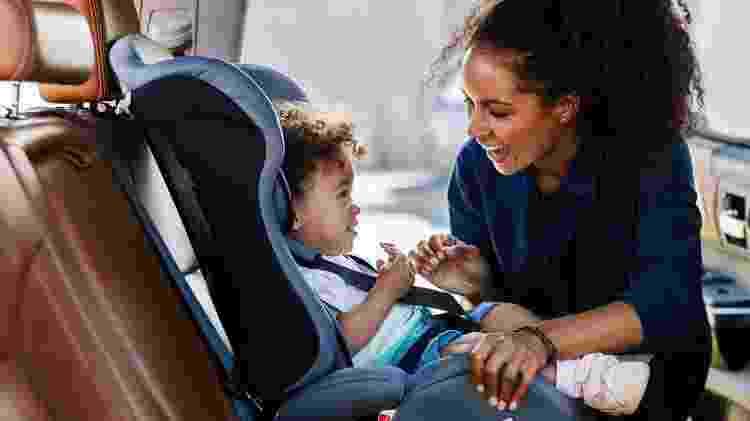 Cadeira do bebê deve ser deixada na posição mais vertical o possível após amamentação - Getty Images/iStockphoto - Getty Images/iStockphoto