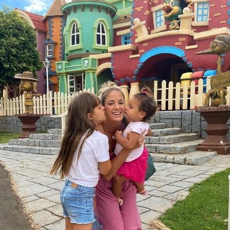 Ticiane Pinheiro e as filhas Rafaella e Manuella - Reprodução/Instagram