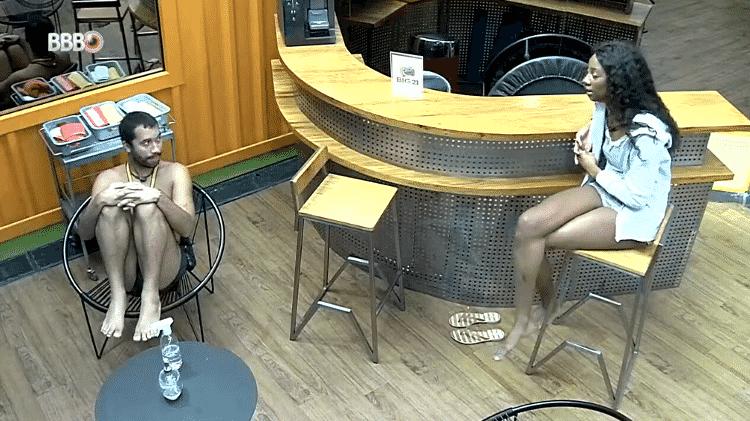 BBB 21: Camilla de Lucas e Gilberto conversam na academia  - Reprodução/Globoplay - Reprodução/Globoplay